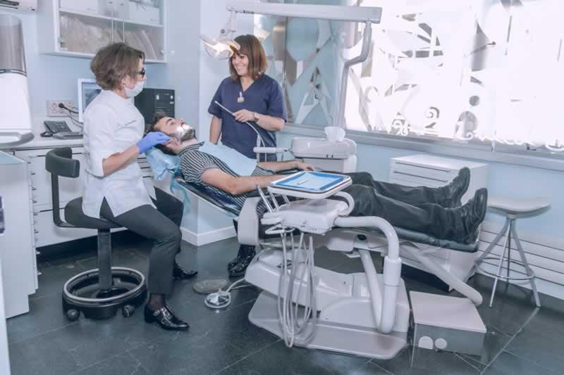 Dentista Ortodoncia Clínica La Coruña
